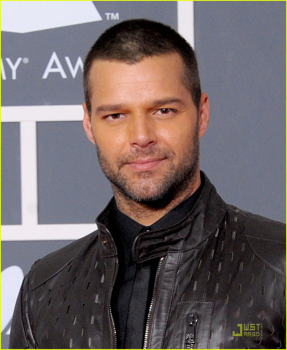 http://www.latintrends.com/wp-content/uploads/2010/08/ricky-martin.jpg