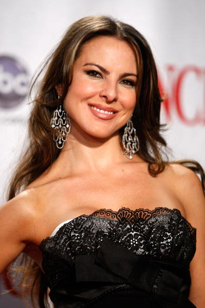 Kate del Castillo Shows Support for El Chapo
