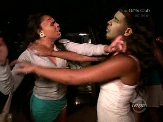 Drake dating chris brown girl
