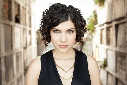 Featuring New Artist: Carrie Rodriguez