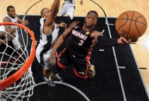 Dwyane Wade scored 32 points in Miami's series-tying win at the AT&T Center in San Antonio Thursday.