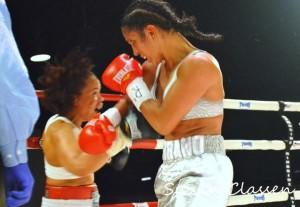 Amanda Serrano (r.) beat Dominga Olivo (l.) by third-round TKO this past Saturday. (Photo: George Johnson)