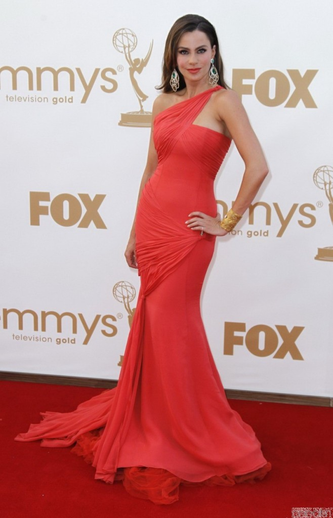 sofia_vergara_red_dress_at_emmy_awards_2011_one_shoulder_prom_gown_red_carpet_dress