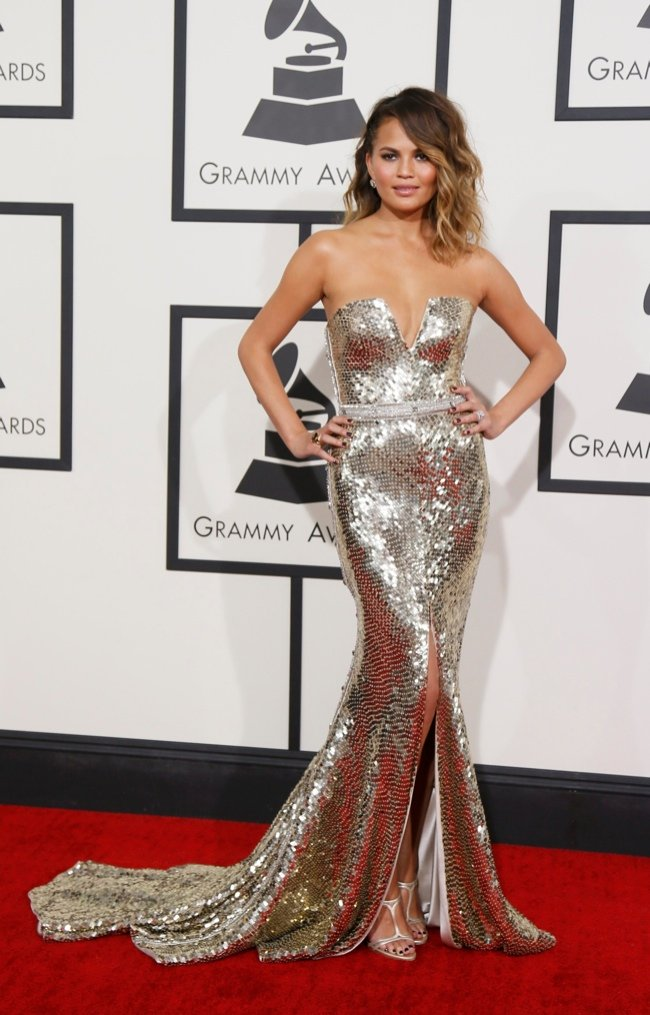 650x1015xchrissy-teigen-jonna-johnson_jpg_pagespeed_ic_6Qpptryzjz