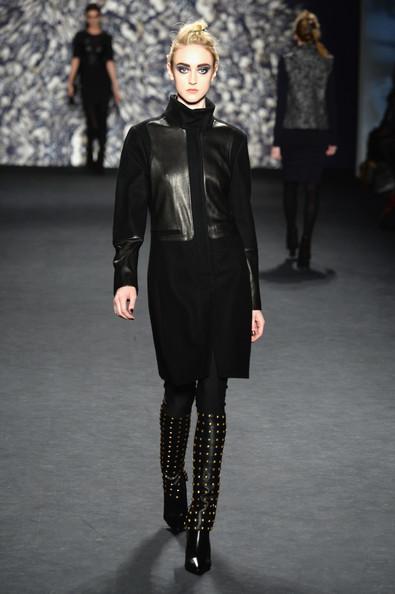 Nicole+Miller+Runway+Mercedes+Benz+Fashion+kFfQTC723cSl