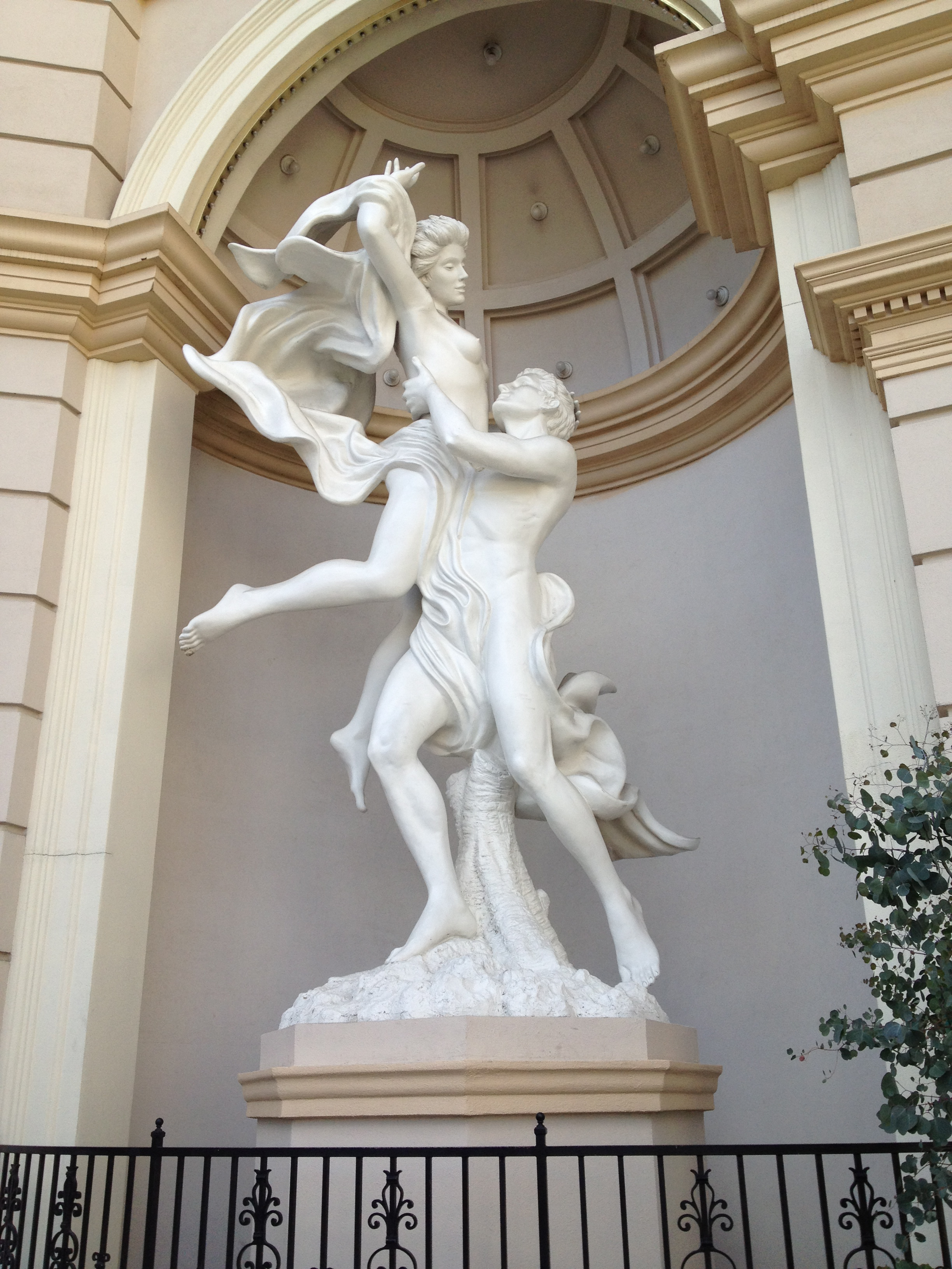 Statue in front of Monte Carlo