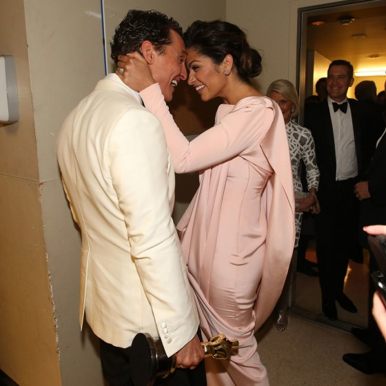 Matthew-McConaughey-Wife-Camila-Alves-Oscars