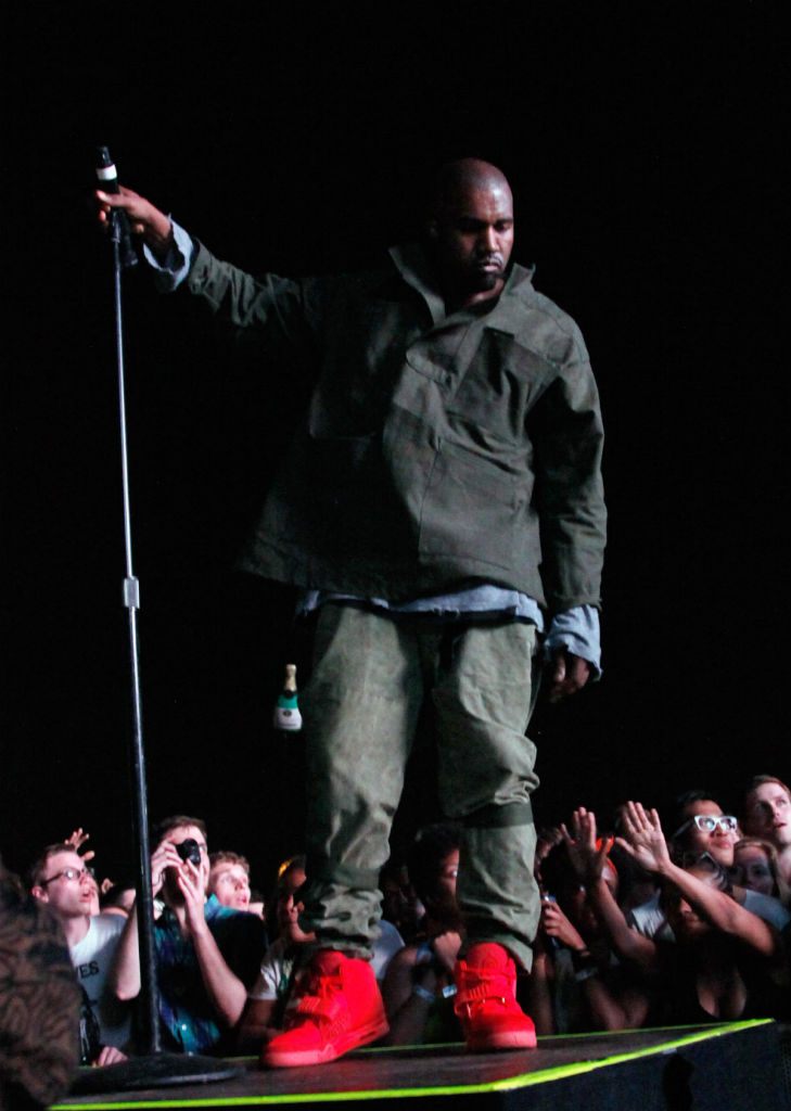 kanye-west-nike-air-yeezy-2-red-10