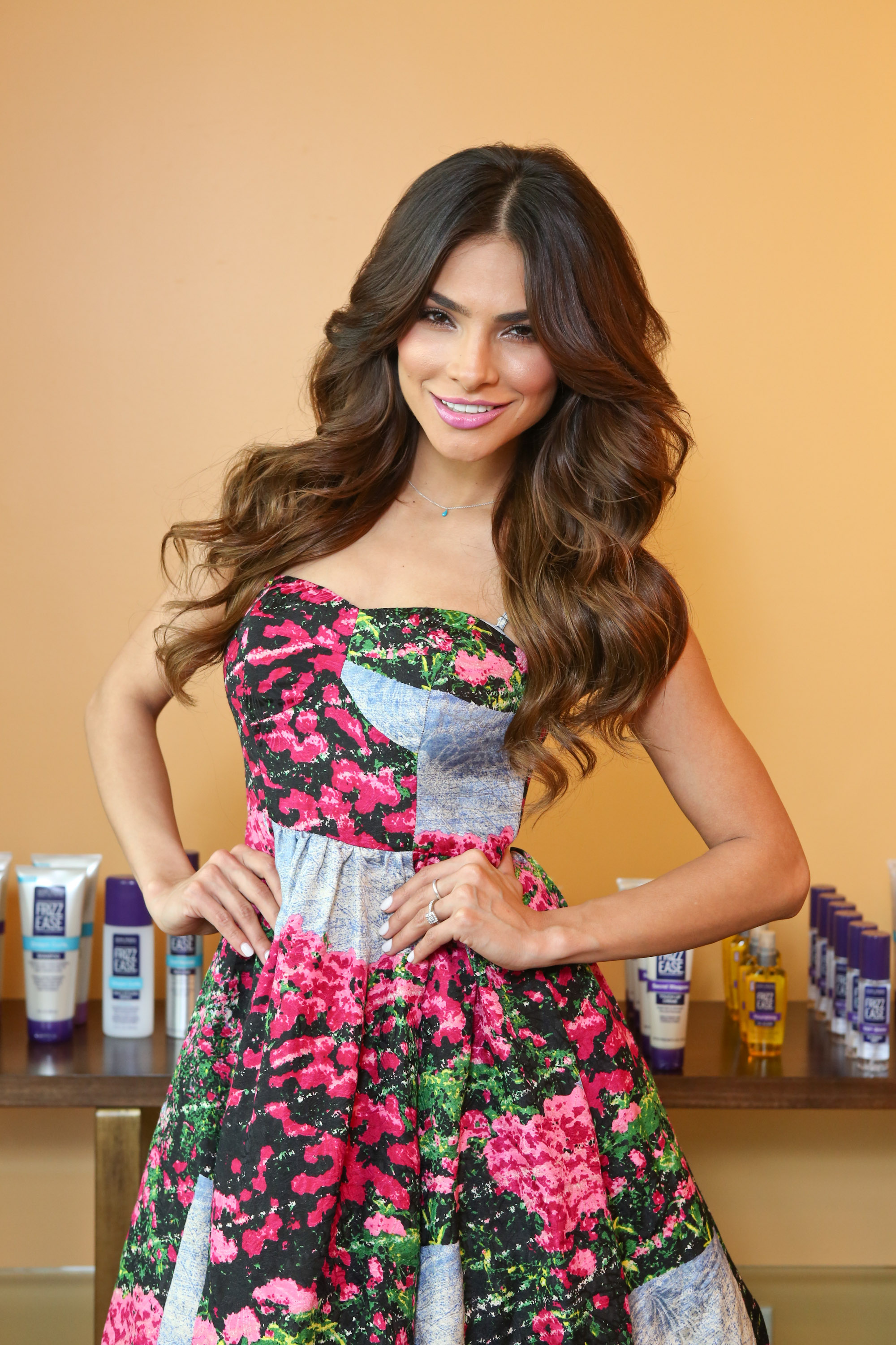 Get Alejandra Espinoza Gorgeous Hair Look Latintrends Com