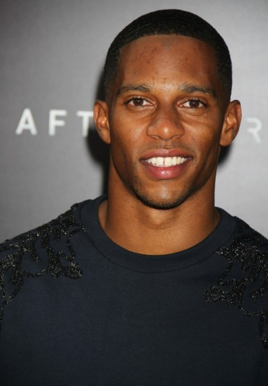 victor-cruz-premiere-after-earth-01