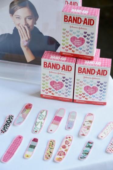 Isaac+Mizrahi+New+York+Band+Aid+Brand+Host+O2fAguzw4ijl
