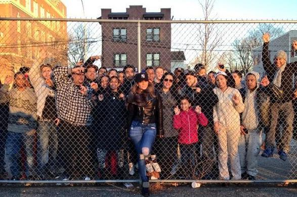 Jennifer-Lopez-shoots-Same-Girl-video-in-The-Bronx