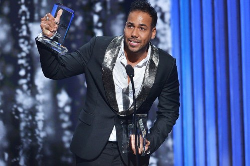 romeo-santos-accepts-award-show-2015-billboard-latin-music-awards-billboard-650