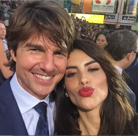 Mission Flirtation: Tom Cruise flirts with Latina Reporter at Red Carpet Event