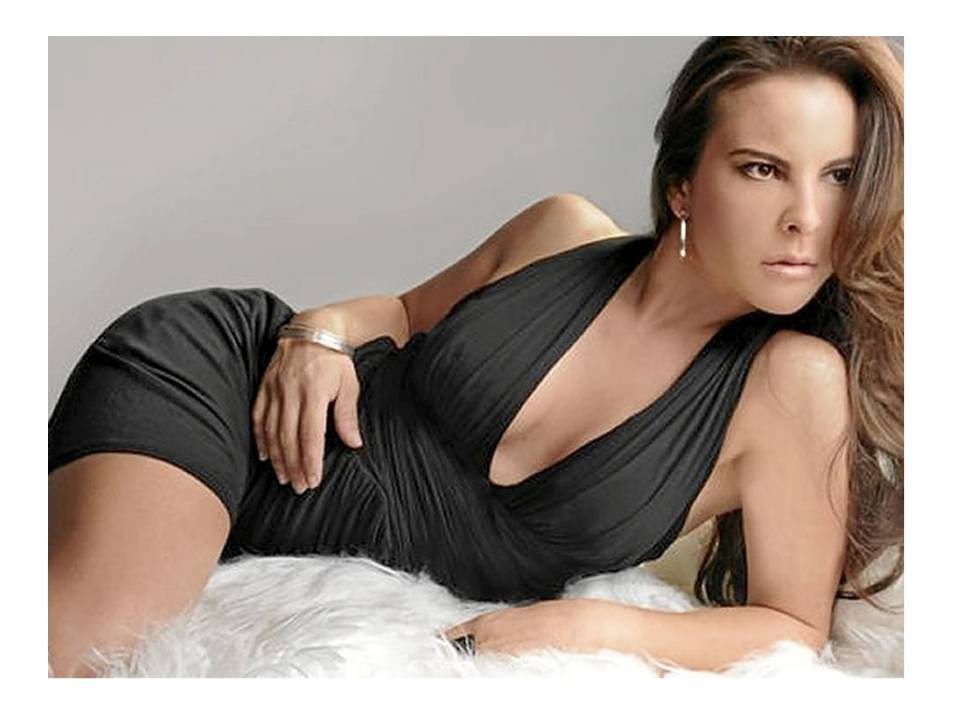How Mexican actress Kate del Castillo brokered deal for Sean Penn to interview El Chapo
