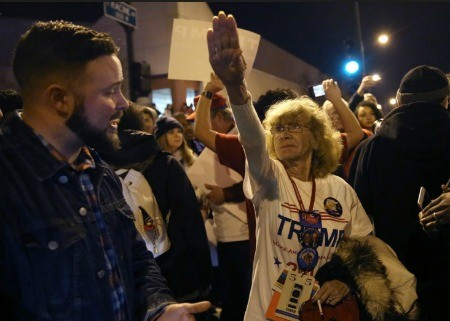 donald-trump-rally-nazi-salute-woman-supporter-chicago