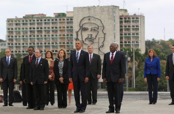 PRESIDENT OBAMA POSES WITH CHE GUEVARA, AND REGRETS IT