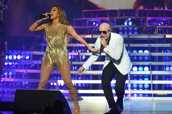 Jennifer Lopez y Pitbull en The AXIS Planet Hollywood Resort & Casino
