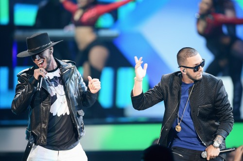 MIAMI, FL - APRIL 28:  Alexis y Fido perform onstage at the Billboard Latin Music Awards at Bank United Center on April 28, 2016 in Miami, Florida.  (Photo by Rodrigo Varela/Getty Images)