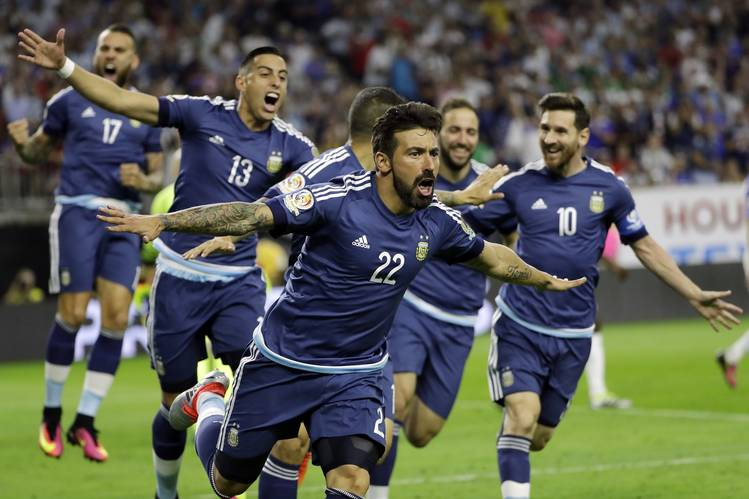 "MESSI ""FLIPS"" ARGENTINA INTO 2016 COPA AMERICA FINAL"