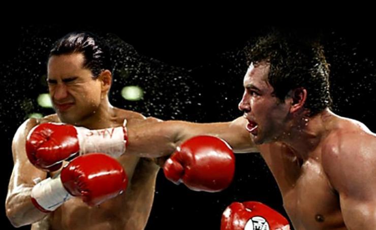 Oscar De La Hoya & Mario Lopez fight in the Ring!