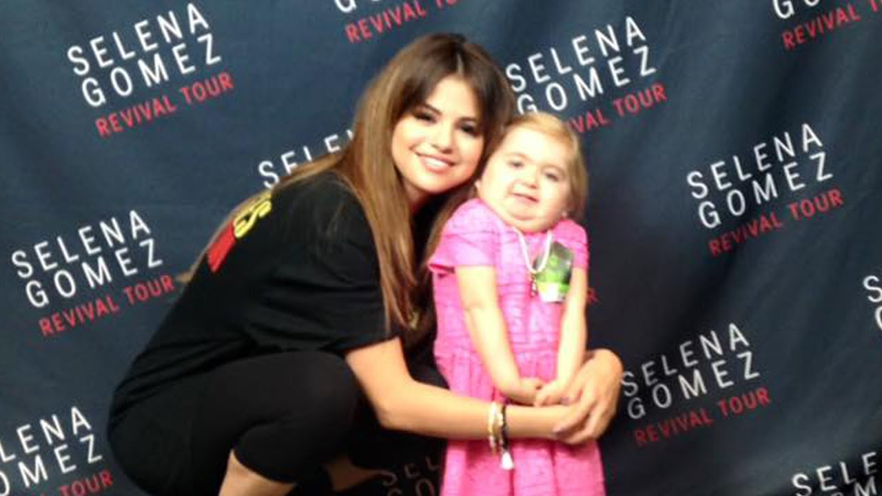 SELENA GOMEZ SHARES MOMENT WITH SPECIAL FAN