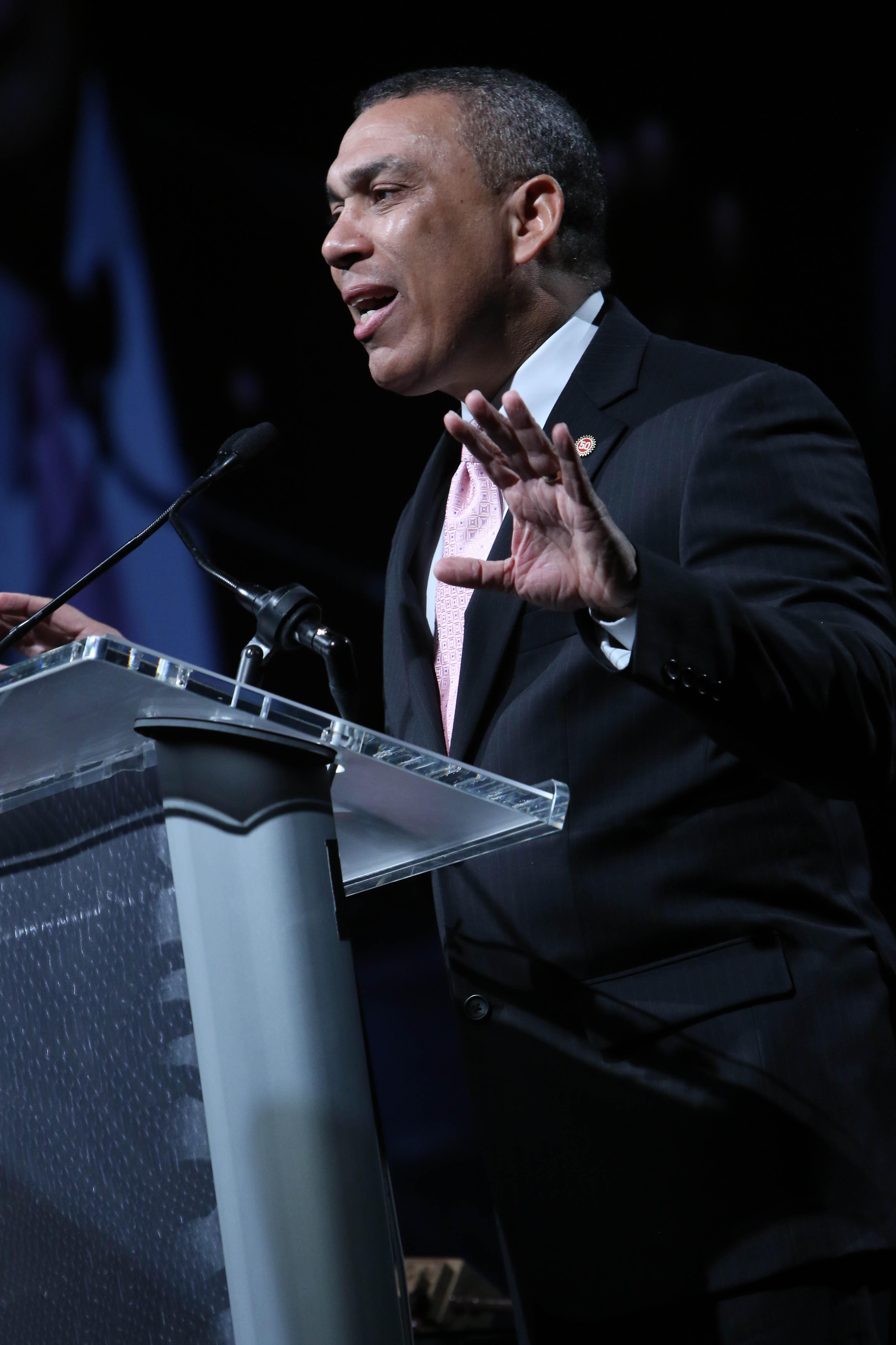 "(Dominican Influencer Series) ""   ATAX Founder Rafael Alvarez 20 Bucks & a Vision!"
